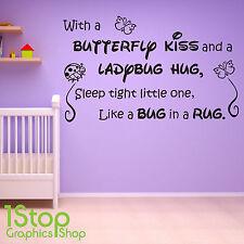 Con una farfalla KISS Muro Adesivo preventivo-Bambini Ragazzi Ragazze Muro Arte Decalcomania X200