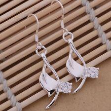 Edle Ohrringe mit schön eingesetzten Kristall Hänger  Silber pl.  NEU