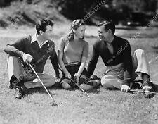 8b20-11784 Robert Taylor Barbara Stanwyck Clark Gable shoot a round of golf 8b20