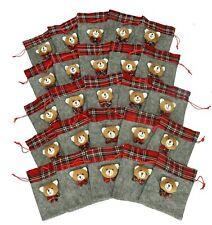 Betz pochette cadeaux en gris avec bordure à carreaux rouges & décoration ourson