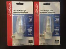 Automatic On/Off Sensor Night Light_Wall Plug_C7.4W.120V max_60Hz. Bulb included