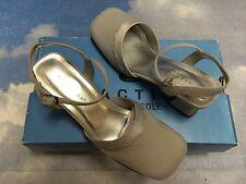 Kenneth Cole Silver Satin Open Shank Dress Shoe Kid 2.5 to Youth 6/Women Size 8