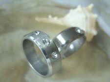 Zirkonia Edelstahl Finger Ring gebürstet mit 3 weißen Zirkonia SIZE 19,7-22,9 mm