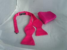 Color de rosa caliente de poliéster que ata uno mismo pajarita y Pañuelo Set < > la más u buy >> más u guardar