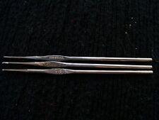 Boye metal crochet hooks/needles, sizes 0, 8 and 9