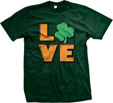 Love Shamrocks Clovers Irish Pride Ireland St Patricks Day Eire Mens T-shirt
