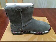 NIB Ugg Australia Classic Mini Rock Boots 1007419