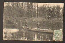 environs de TOURS (37) PECHEURS à l'EPERVIER , Bords du CHER en  1906