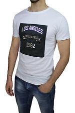 CAMISETA HOMBRE EN BLANCO LOS ANGELES MANGA CORTA CON PARCHE LUSTROSO RELIEVE