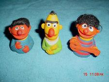 Vtg-70s-Sesame Street Muppets Bert-Ernie Guitar Finger Ding Puppet Toy Dolls