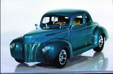 1:18 Ertl Ford Street Rod '40 High Tech LT-1 pearl green metallic MIB