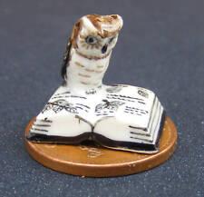 Échelle 1:12 céramique hibou sur un livre ouvert maison de poupées miniature oiseau accessoire b