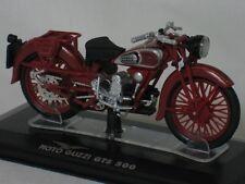 Moto Guzzi GTS 500 1:24 donker rood