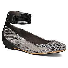 Tsubo Women's Gylda Charcoal Suede Wedge Shoes