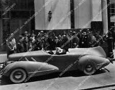 Cary Grant Constance Bennett arrive in futuristic concept car film Topper 1751-2
