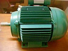 AEG MOTEUR ELECTRIQUE 1 CV  1400 tr/min  - 220V  L'ARBRE 16 MM