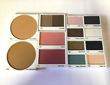 Calvin Klein muestra Funda Bronceador / Rubor / Sombra / Cejas Paleta