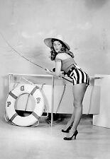 """Tirage Photo Art Pin up érotique NB - Jeune femme """" Pêche à la ligne """" an. 1940"""