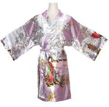 Kimono d'intérieur court en soie très séduisant avec jolis motifs décoratifs