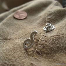 1 Anstecker mit Sicherung, Pin mit Wunsch Buchstabe in 925er Silber & Zirkonia