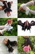 Gothic Handschuhe Armstulpen Weiß Schwarz Spitze Schnürung Federn