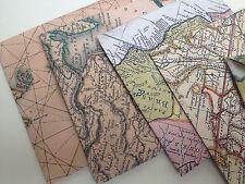 Vintage map style enveloppes, drapeau bunting confettis voyage idéal mariage thème