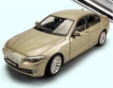 Welly 1/24 BMW 5er 535i F10 24026 diecast Car model Black/White