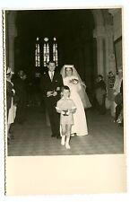 Ancienne Photo années 1950 - Portrait de jeunes mariés dans l'église