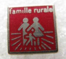 Petit Pin's Famille Rurale #D3