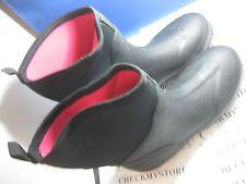 new NIB CAPELLI  NY Solid Ladies Short Techno Body Neoprene & Rubber Rain Boot