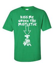 KISS ME UNDER THE MISTLETOE Merry Christmas Xmas Santa Men's Tee Shirt