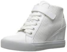 GUESS Women's Decia2 Sneaker