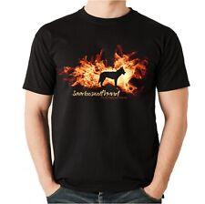 Unisex T-Shirt SAARLOOS WOLFHUND FEUER UND FLAMME by Siviwonder Hundemotiv