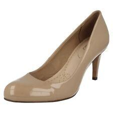Clarks Carlita Cove Ladies Sand Patent Court Shoes D-Fit (R9B)