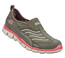 22385 Skechers Women's GRATIS STAYCATION  Memory Foam Slip On Gray/Hot Pink