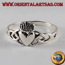 Anello in argento Claddagh Irlandese Amore lealtà ed amicizia