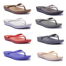 Fitflop IQUSHION™ Super Ergonomic White Women Rubber Flip Flops