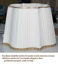 Paralume modello cornice in tessuto avorio nastrato a mano bordo oro lavorato