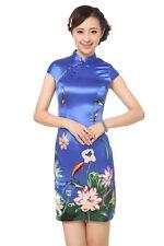 Jolie Mini Robe Chinoise Qi-Pao Bleu Fleuri Lotus en Satin Tailles au choix