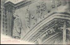 51 - Cathédrale de REIMS - Façade - David et Goliath