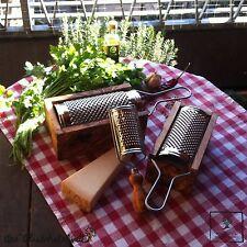 Käsereibe Käsehobel Hobel Gemüsereibe Parmesanreibe Reibe Olivenholz Holz