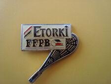 pins pin sport raquette etorki ffpb