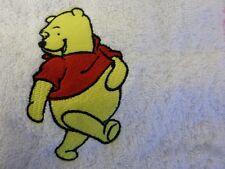 WINNIE THE POOH design und Personalisierter Name Bestickt auf Handtücher