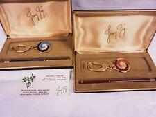 Penna a sfera e portachiavi in lacca e metallo gold | Ballpoint pen and key ring