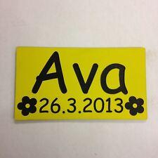 Número de matrícula nombre fecha grabada con Flores Little Tikes Cozy Coupe Paseo en