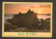 ILE d'YEU (85) Coucher de Soleil sur CHATEAU du XI° s.