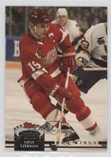 1992-93 Topps Stadium Club #19 Steve Yzerman Detroit Red Wings Hockey Card
