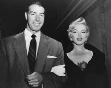1950s New York Yankees JOE DIMAGGIO & MARILYN MONROE Glossy 8x10 Photo Print