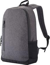 Zainetto con scomparto interno porta laptop leggermente imbottito con zip
