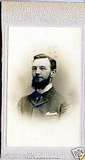 Photo ancienne sur carton Portrait jeune homme barbe